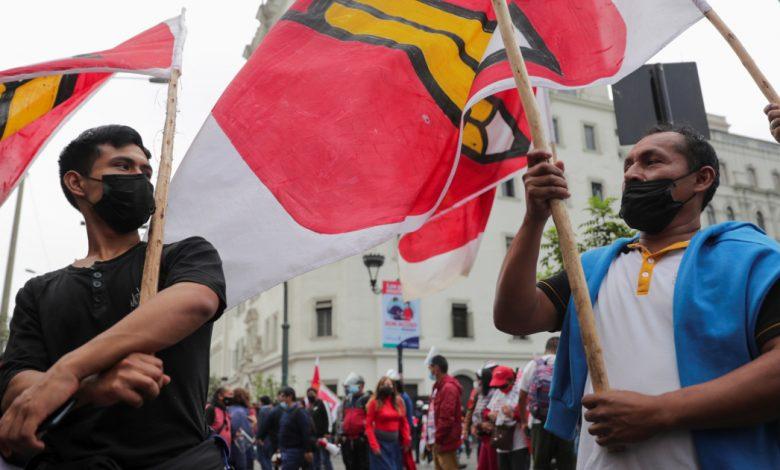 بيرو المنقسمة بشدة تنتظر النتيجة النهائية للتصويت الرئاسي | أخبار الانتخابات