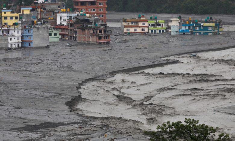 لقي العديد من الأشخاص حتفهم في الفيضانات والانهيارات الأرضية الموسمية في بوتان ، نيبال   أخبار الطقس