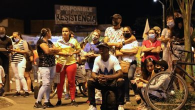 صورة يلجأ المتظاهرون في كولومبيا إلى اجتماعات مفتوحة لإيجاد حلول للتخفيف من حدة الفقر وأخبار التنمية