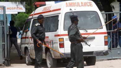 صورة أسفر هجوم حركة الشباب الانتحاري في مقديشو عن مقتل 10 أشخاص على الأقل |