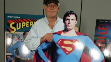 صورة توفي ريتشارد دونر ، منتج أفلام الأسلحة الفتاك سوبرمان ، عن عمر يناهز 91 عامًا