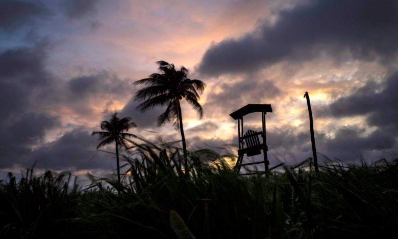 تشتد العاصفة الاستوائية إلسا وقد تصبح إعصارًا